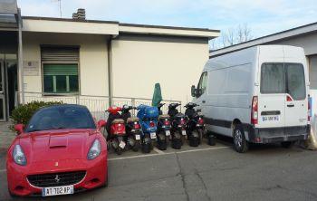 La Ferrari, le 6 moto e il furgone posti sotto sequestro