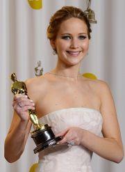 Jennifer Lawrence con l'oscar