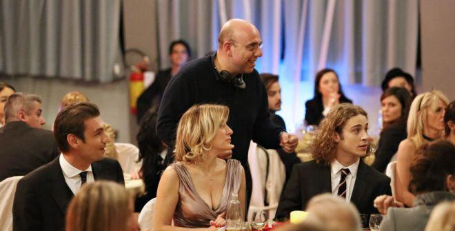 Alcuni dei protagonisti con il regista Virzì durante una scena