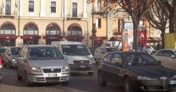 Traffico in piazza Libertà