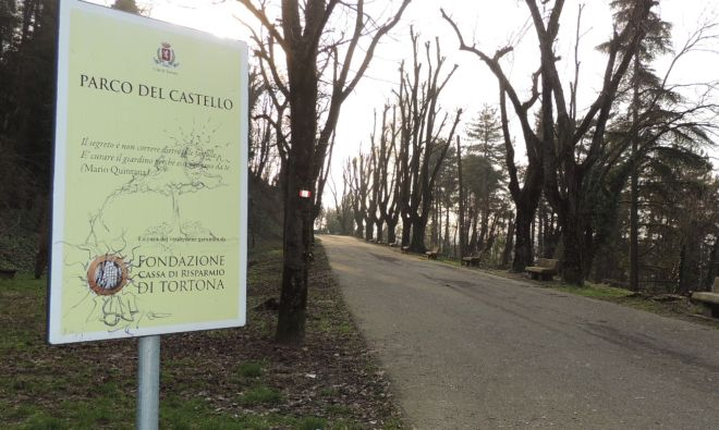 La Fondazione Cassa di Risparmio di Tortona pulirà a sue spese il Parco del Castello anche per i prossimi due anni