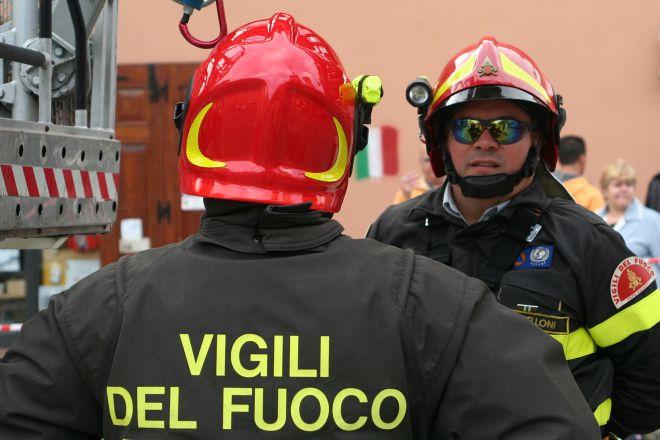 I Vigili del Fuoco di Acqui Terme salvano una donna bloccata in casa per di un incendio