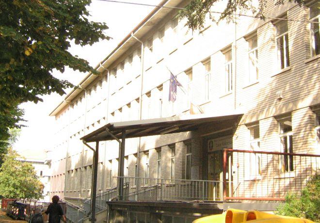 Chiusura scuole a Tortona, il caso finisce in Consiglio e l'assessore Fara ne spiega i motivi