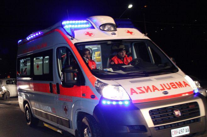 A Sale due bambini rimasti feriti nell'auto fuori strada