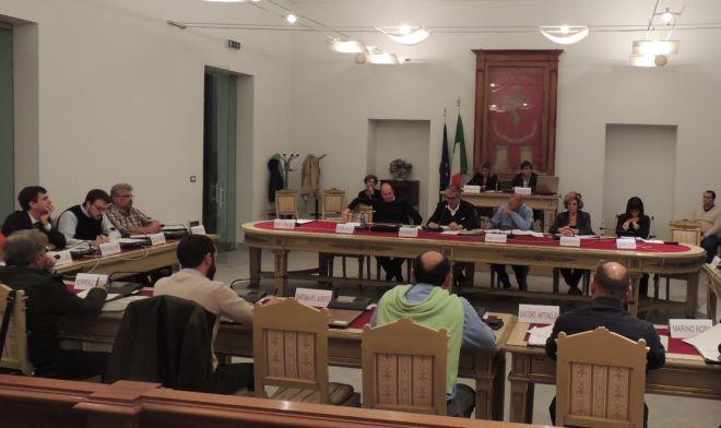 Il Consiglio comunale di Tortona vara azioni straordinarie di controllo sulla discarica di rifiuti