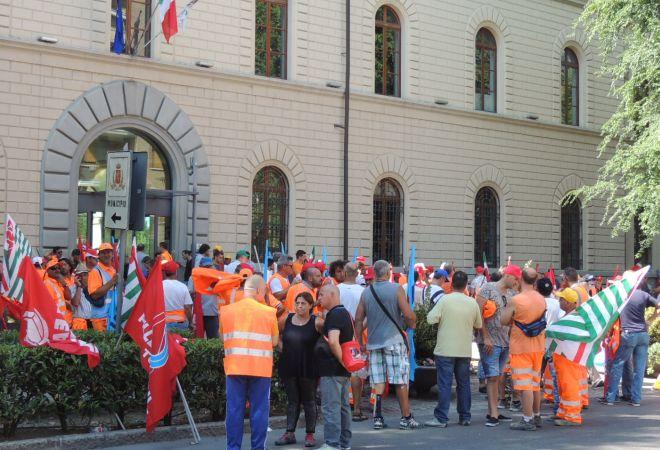 In provincia di Alessandria 800 dipendenti del Gruppo Gavio (e altri) rischiano il posto, i sindacati scrivono al Prefetto