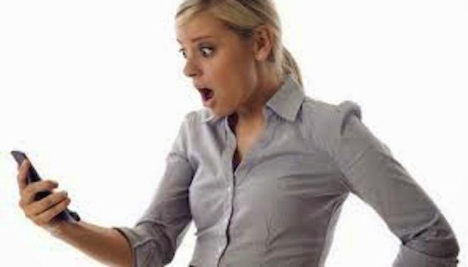 """L'Agenzia delle Entrate avvisa: """"Fate attenzione alle truffe con gli SMS"""""""