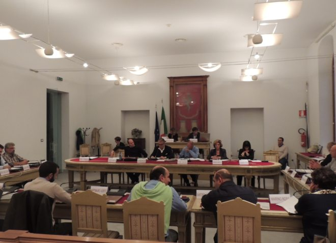 Il Comune approva la fusione Atm/Asmt, defezioni nella maggioranza che però vince