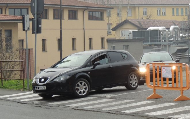 Auto in uscita da parcheggio: tutte gpl o medici al lavoro?