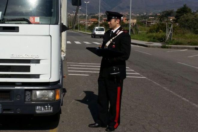 Tortona, armati di pistola assaltano il camion e rubano profumi per decine di migliaia di euro