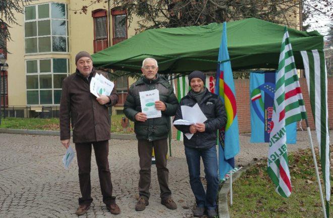 Sindacati compatti contro il ridimensionamento dell'ospedale di Tortona in piazza con un presidio