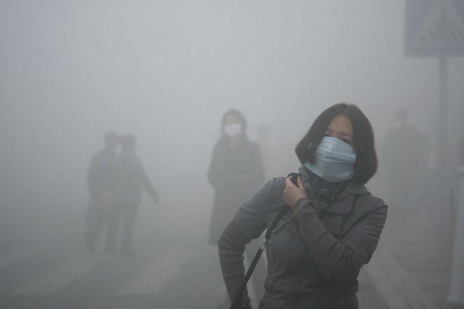 Smog alle stelle, ma nessuno lava le strade e così le PM10 si sollevano in continuazione