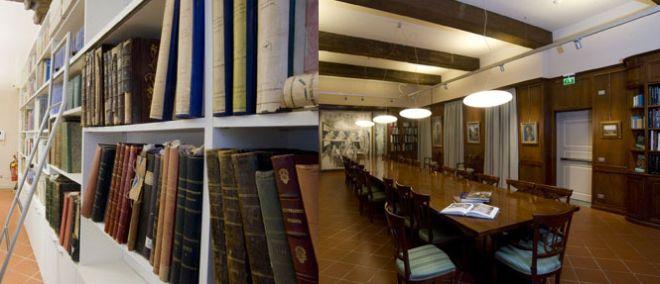 Libri e sala consultazione della Biblioteca della Fondazione