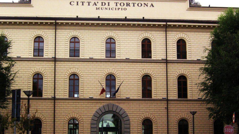 Lunedì torna a riunirsi il Consiglio Comunale di Tortona. Le delibere in discussione