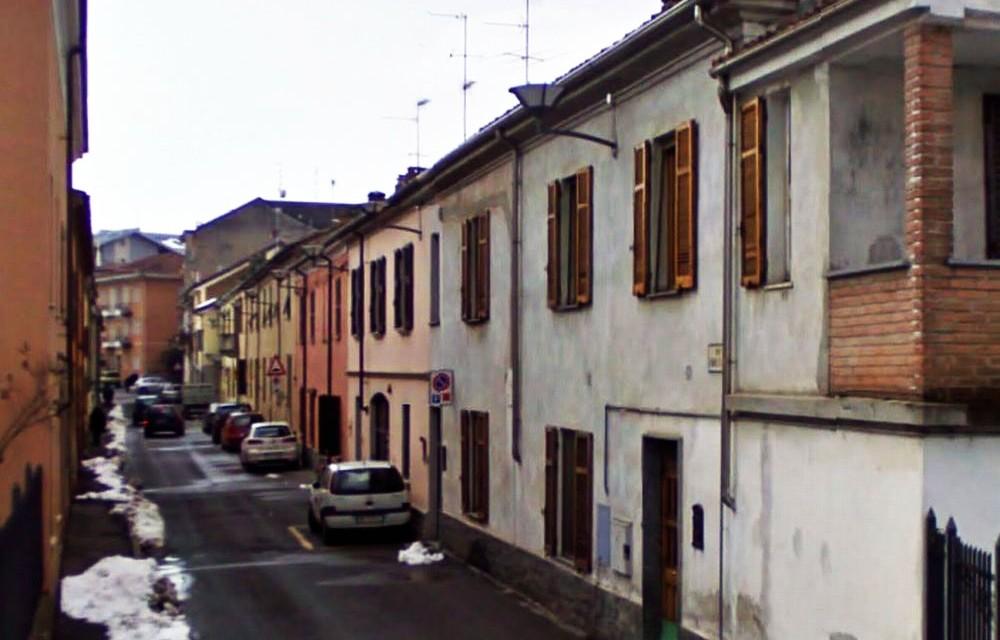 Auto danneggiate in via Leonardo da Vinci a Tortona. Un caso o deliberato atto di vandalismo?
