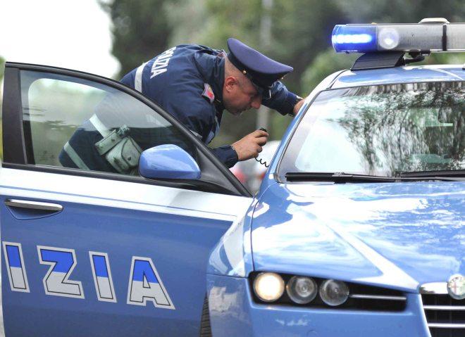 A Tortona interviene addirittura la Polizia per mandare via gli accattoni che molestano la gente
