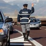 Acqui Terme viaggia tranquillo in auto, ignaro di avere stipulato l'assicurazione con una società inesistente