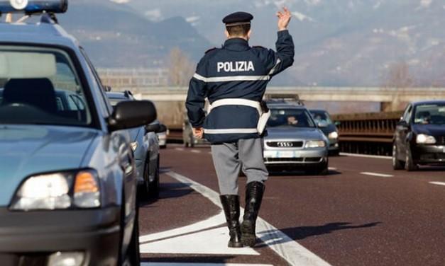 """La Polizia Stradale di Ovada ferma e arresta tre kosovari in fuga sull' A/""""6"""