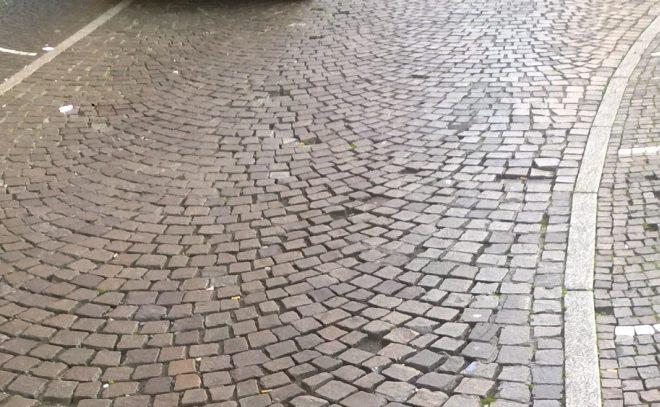 Da martedì in Alessandria al via i lavori di manutenzione  della pavimentazione in porfido in via Piacenza