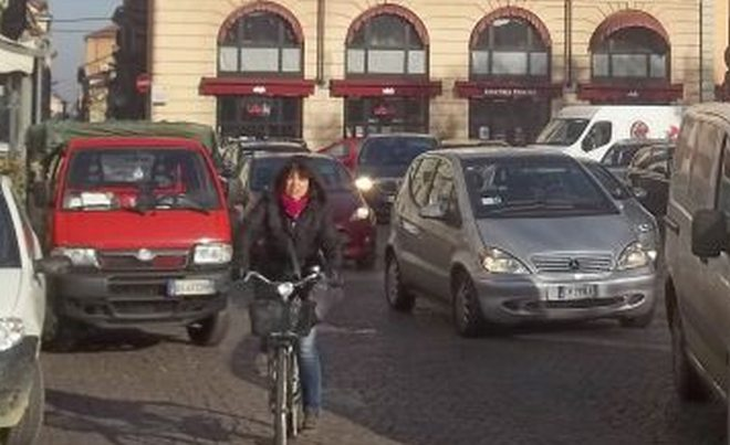 Allerta smog ad Alessandria, limitazioni nella circolazione stradale
