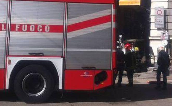 Alessandria, fuga di gas in via Marengo intervengono i pompieri