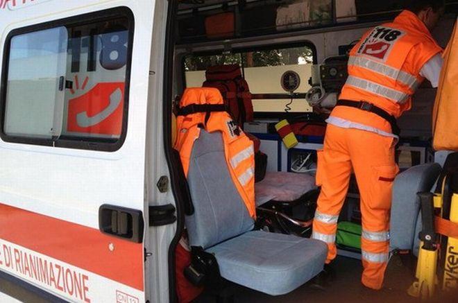 Pontecurone, incidente lungo la statale 10, una donna rimane ferita