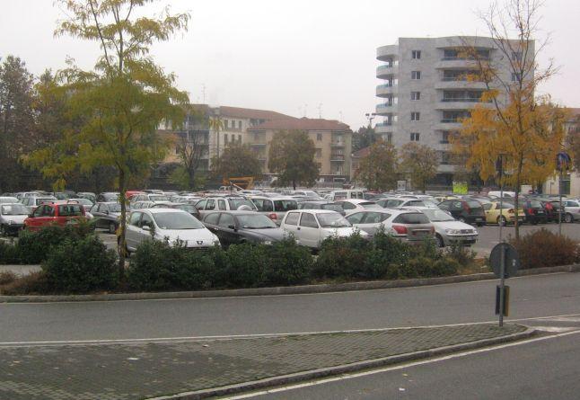 Sosta gratis a Novi Ligure per lo shopping natalizio a partire da Sabato