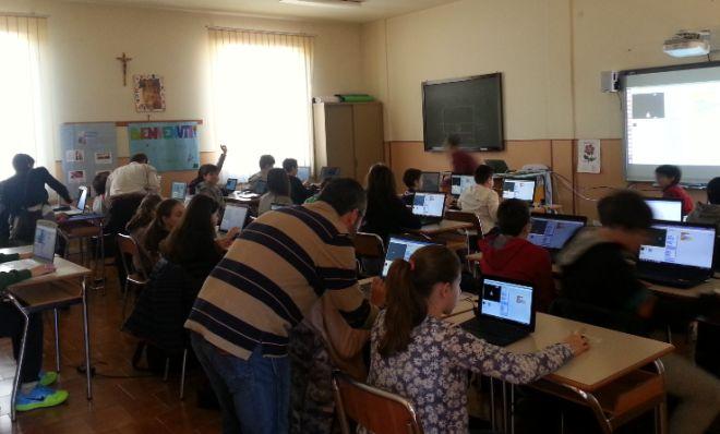 Una vogherese a Tortona insegna come programmare agli studenti