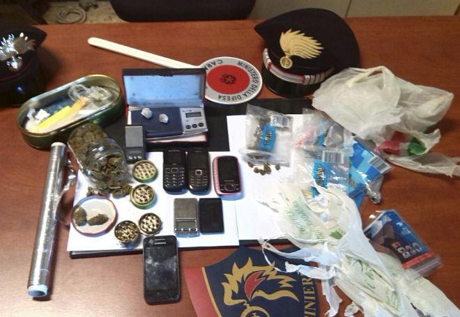 Spacciavano droga davanti alle scuole di Ovada, presi dai Carabinieri