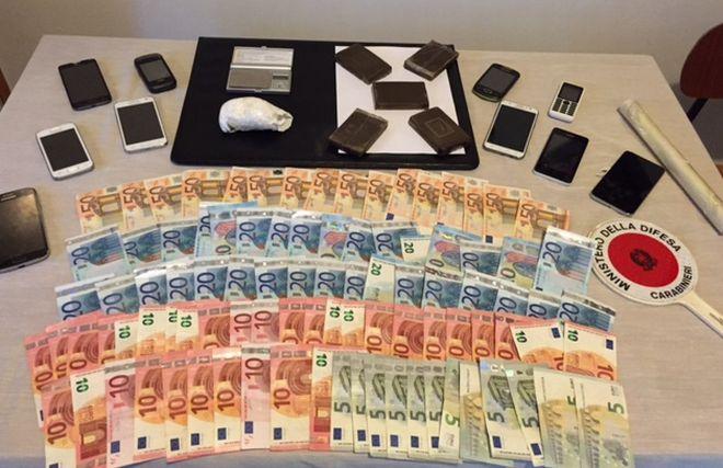 I carabinieri di Alessandria sequestrano droga e soldi ad un marocchino