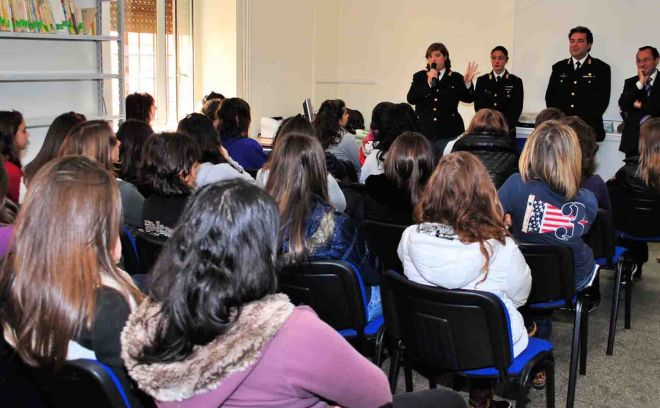 Al Liceo Amaldi di Novi Ligure lezione della Polizia Scientifica