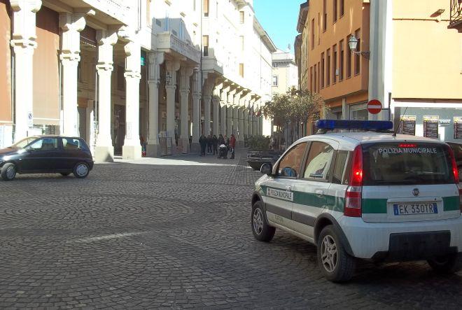 Romeno ruba all'Esselunga di Tortona, individuato e denunciato dalla Polizia Municipale