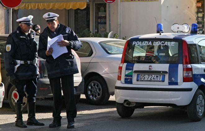 Non si ferma all'alt dei Vigili urbani di Novi Ligure, inseguito e denunciato