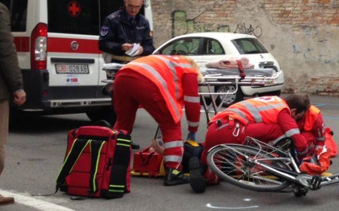 """Giovane ciclista cade a Pornassio, trasportato dal 118  al """"Santa Corona"""" di Pietra Ligure"""