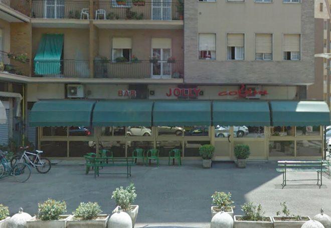 Giovane tortonese tenta di rubare al bar Jolly, sorpreso dai carabinieri viene denunciato e rilasciato