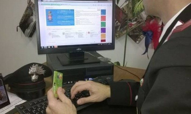 Commesso di Stradella clona la carta di credito del titolare e si compra un i-Phone