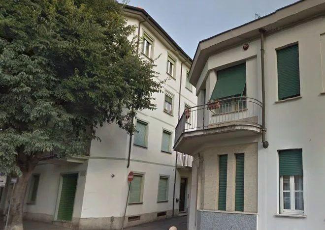 Stop alla caduta di calcinacci dal condominio Dellachà di Tortona