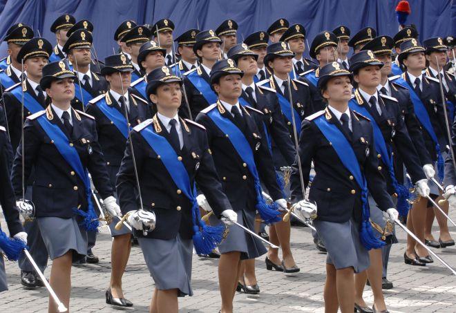 La questura di alessandria ricorda le donne poliziotto for Questura alessandria permesso di soggiorno