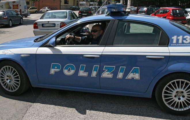 Smascherati dai poliziotti di alessandria mentre cercavano for Questura alessandria permesso di soggiorno