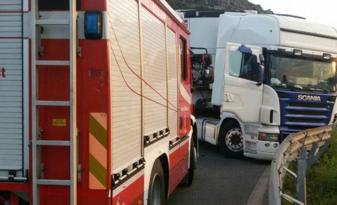 Tragedia sfiorata a Tortona per un camion di idrogeno compresso che avrebbe potuto esplodere