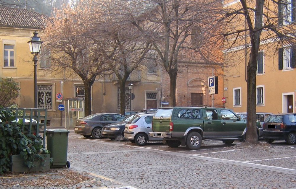 A Tortona finalmente si aggiustano strade e marciapiedi. Iniziati i lavori