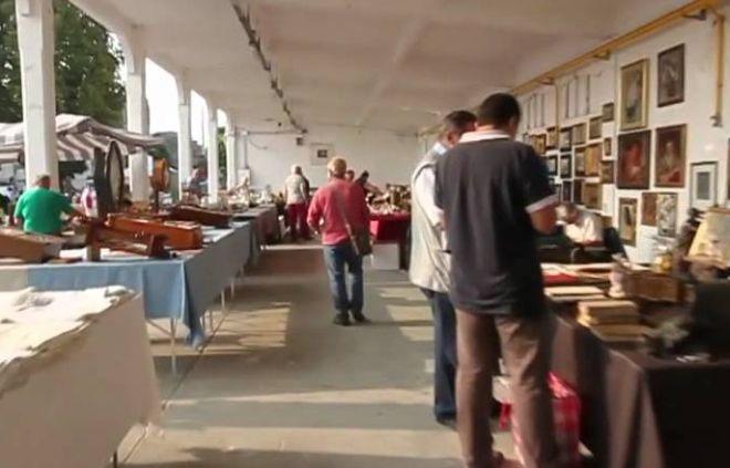 Il Mercatino dell'Antiquariato di Casale Monferrato non va in vacanza!
