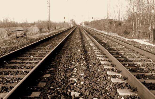 Felizzano, un uomo di circa 40 anni si suicida gettandosi sotto un treno