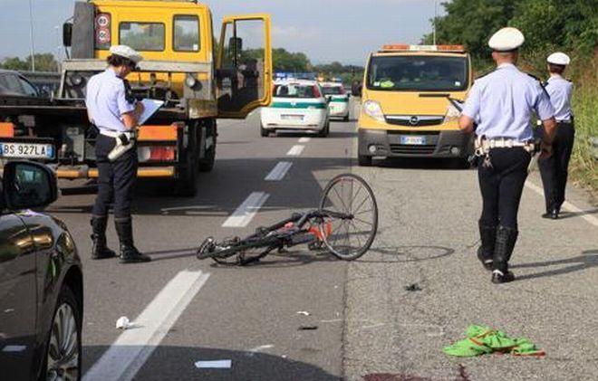 Ciclista alessandrino ucciso da un'auto mentre  si allena, ma l'assicurazione si rifiuta di risarcire la famiglia