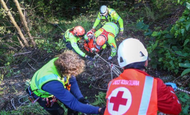 Disabile finisce in un dirupo con  la carrozzina a Cabella Ligure, ricoverato ospedale