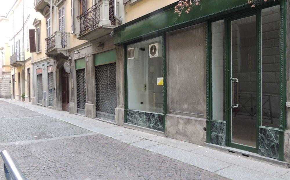 Oltre cento negozi sfitti a Tortona acuiscono la crisi del Commercio, che fare?