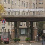 Minaccia medici e infermieri dell'ospedale di Novi Ligure con un coltello