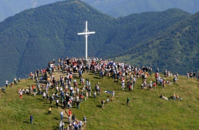 Il Vescovo Vittorio Viola domenica va sul monte Antola