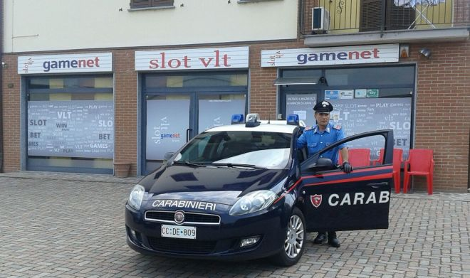 Rapinano una sala giochi a Broni, arrestati dai Carabinieri dopo inseguimento