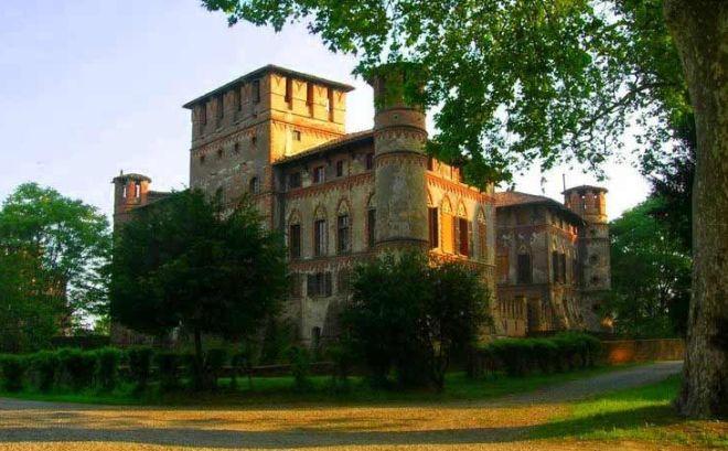 Castelli Aperti: domenica 15 aprile si visita il castello di Piovera